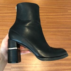 Black leather booties like new